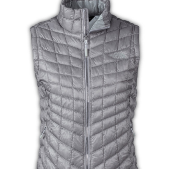 d9ea2060c The North Face Ladies Thermoball Trekker Vest. NWT